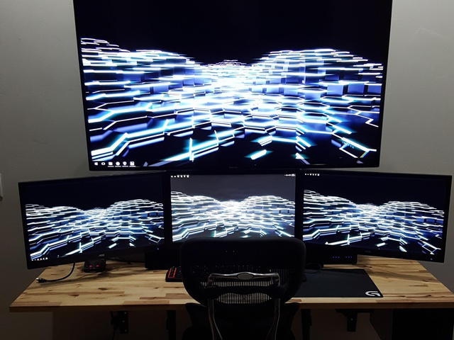 PC_Desk_MultiDisplay63_07.jpg