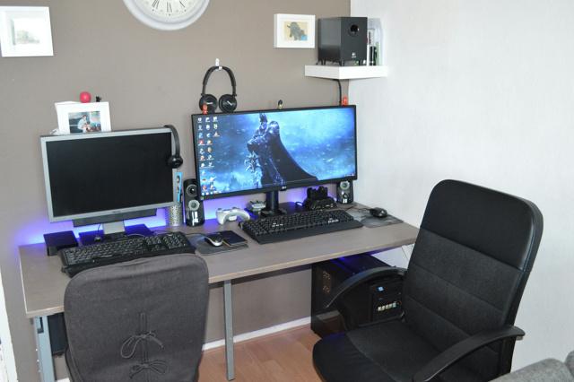 PC_Desk_UltlaWideMonitor07_20.jpg