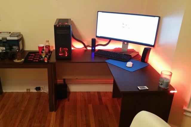 PC_Desk_UltlaWideMonitor07_21.jpg