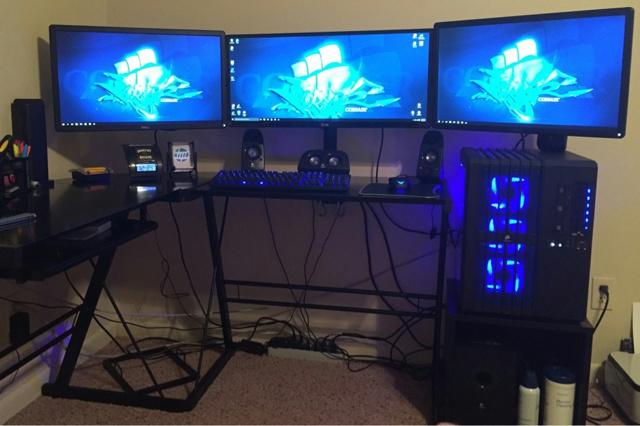 PC_Desk_UltlaWideMonitor07_25.jpg