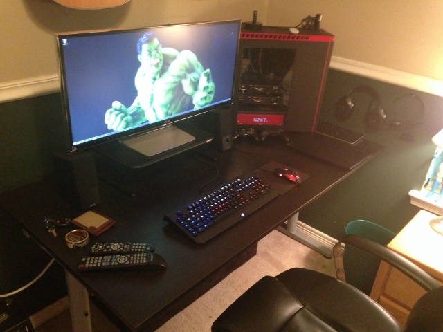 PC_Desk_UltlaWideMonitor07_51.jpg