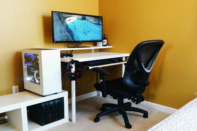 PC_Desk_UltlaWideMonitor07_55.jpg