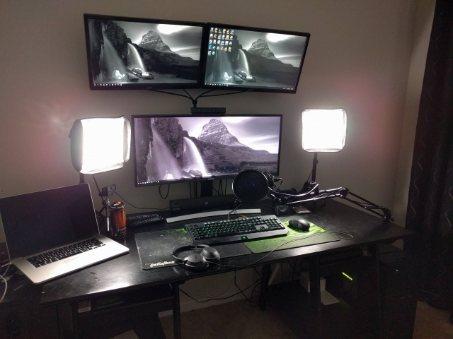 PC_Desk_UltlaWideMonitor07_59.jpg