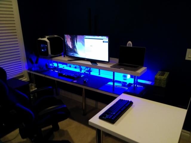 PC_Desk_UltlaWideMonitor07_65.jpg