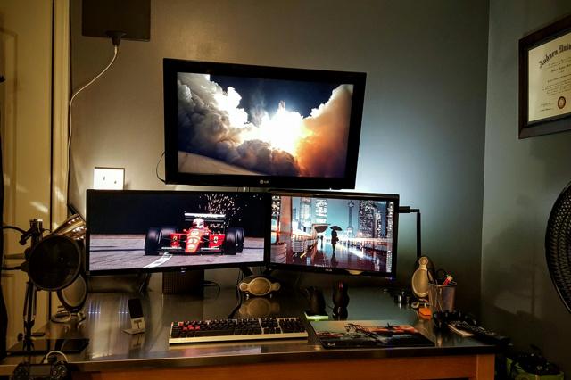 PC_Desk_UltlaWideMonitor07_83.jpg