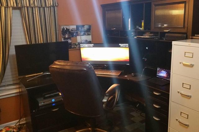 PC_Desk_UltlaWideMonitor07_87.jpg
