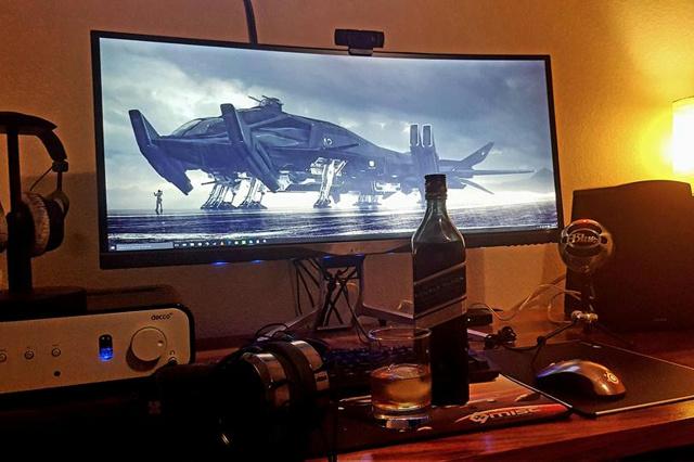 PC_Desk_UltlaWideMonitor08_15.jpg