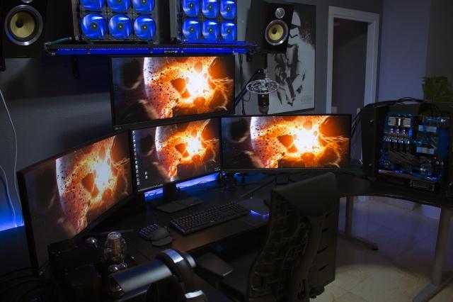 PC_Desk_UltlaWideMonitor08_84.jpg