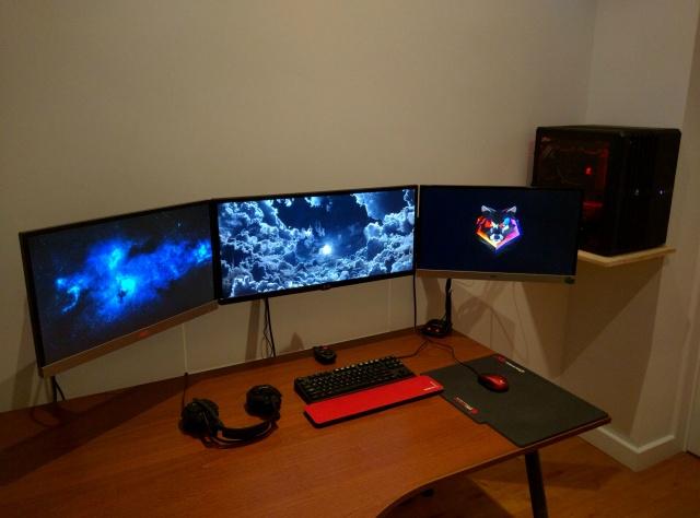 PC_Desk_UltlaWideMonitor08_93.jpg
