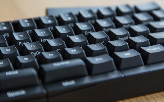 Ultimate_Hacking_Keyboard_03.jpg