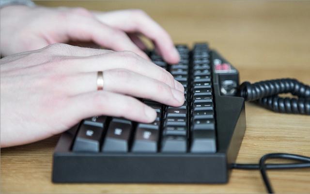 Ultimate_Hacking_Keyboard_06.jpg