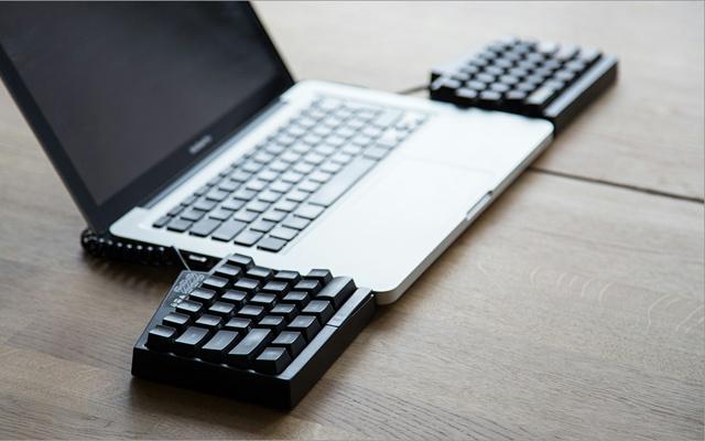 Ultimate_Hacking_Keyboard_08.jpg