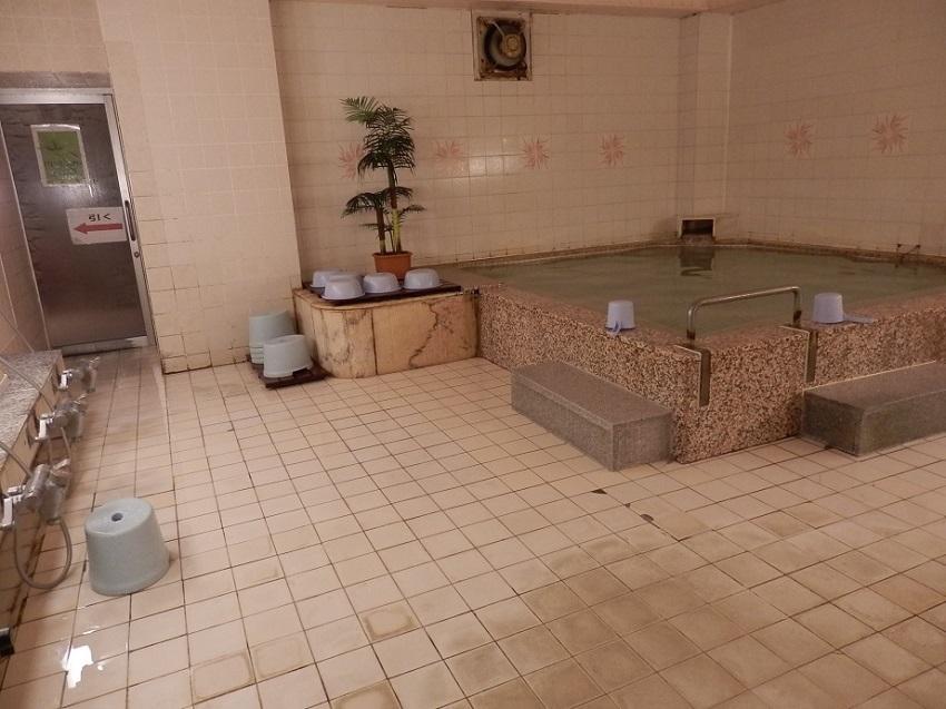 伊東パウエル 大浴場